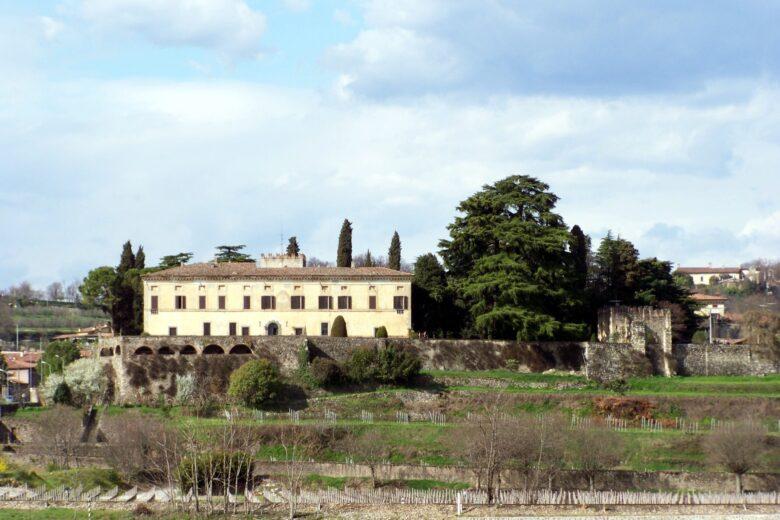 Il Castello di Bornato, lato a mezzogiorno e Palazzo