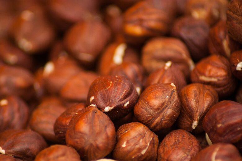 hazelnuts-1707601_1920